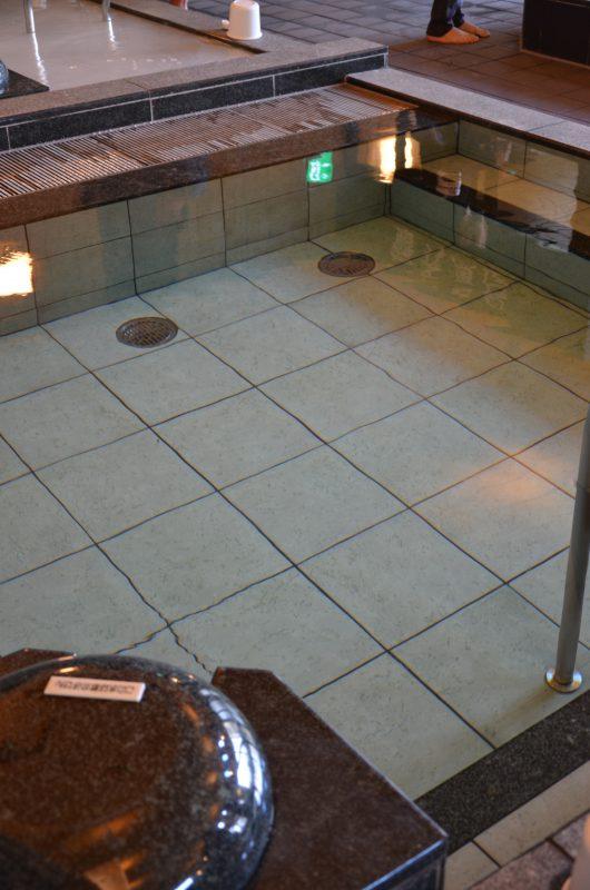 浴槽内部 石華