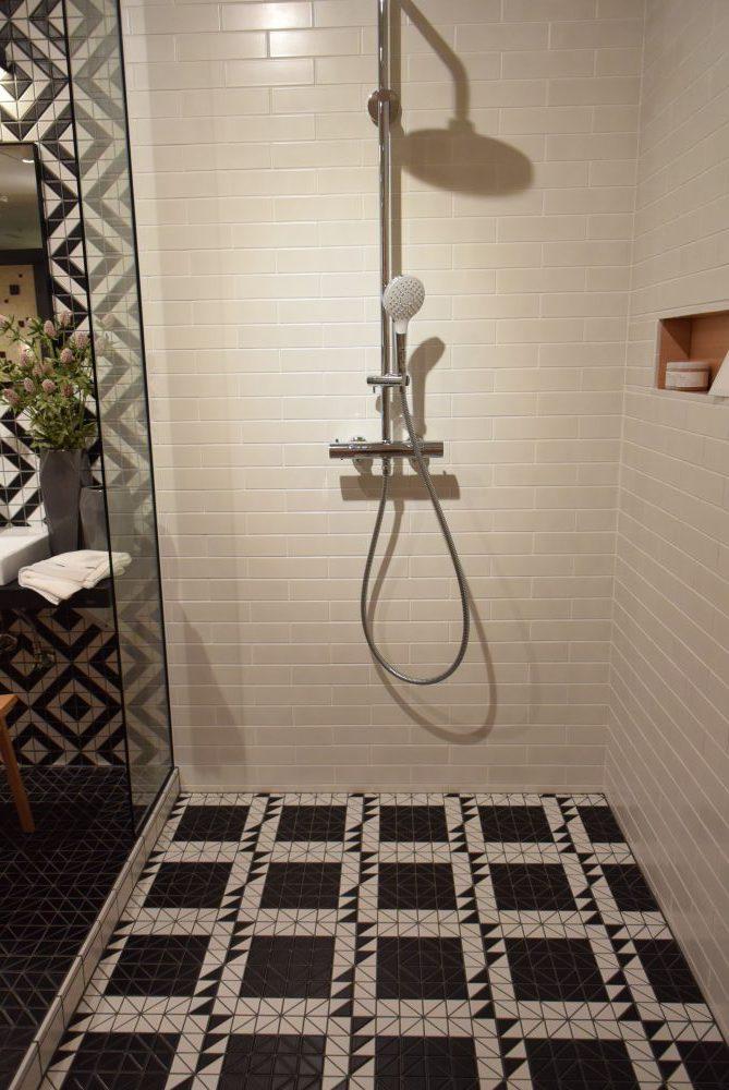 シャワー室床 UND-130A